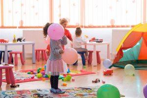 Cresa Teiul Doamnei Sector 2 Bucuresti copiii la joaca