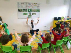 pick me academy milescu sector 2 Bucuresti profesor 300x225