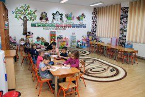 gradinita 233 nada florilor sector 2 bucuresti copiii la activitati