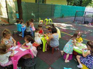 gradinita compania mica parcul circului sector 2 bucuresti joaca in curte